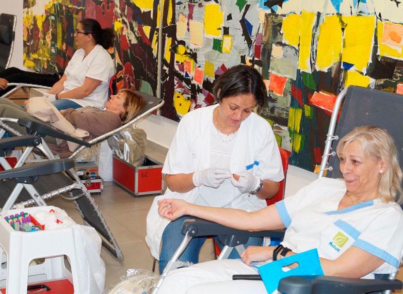 el-centro-regional-de-hemodonacion-anima-a-los-murcianos-a-seguir-donando-sangre-durante-el-verano