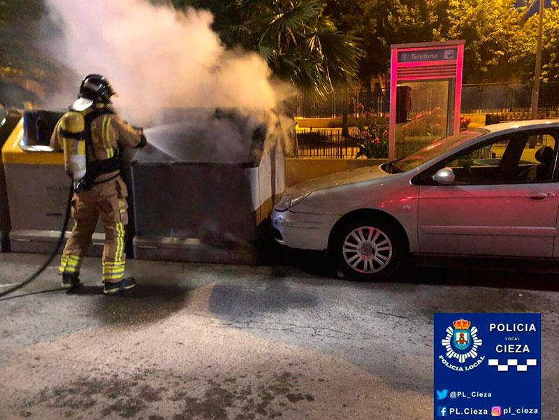 incendio-contenedores-afecta-vehículo-cieza