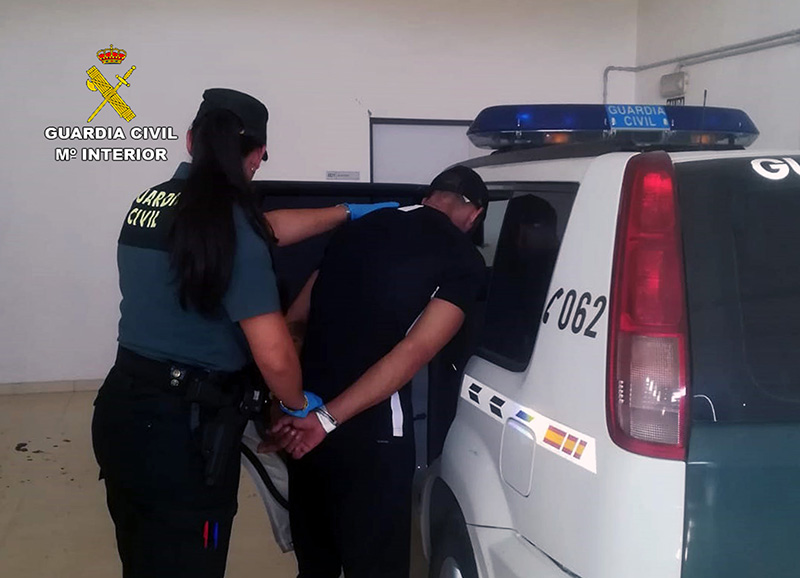 detenido-un-joven-ciezano-cuando-lo-sorprendieron-robando-in-infraganti-en-una-vivienda