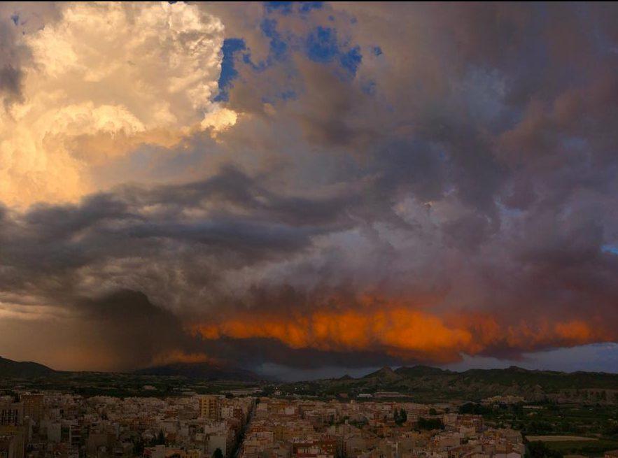 las-nubes-de-tormenta-que-rozan-cieza
