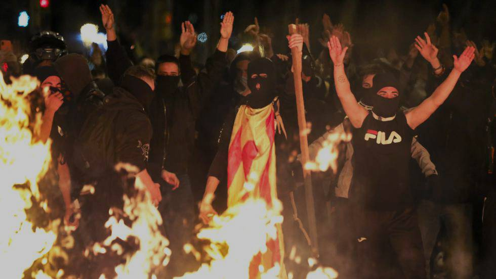 los-populares-de-cieza-apoyan-a-las-fuerzas-y-cuerpos-de-seguridad-del-estado-en-cataluna