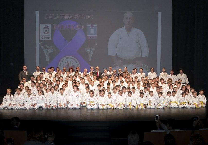la-escuela-kiai-celebro-la-xx-gala-infantil-de-karate-do-contra-la-violencia-de-genero