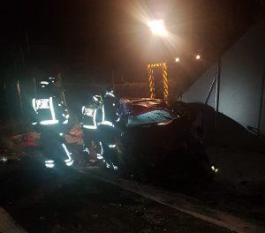 Una mujer fue rescatada tras salirse de la carretera con su vehículo y caer a la vía del tren en Cieza