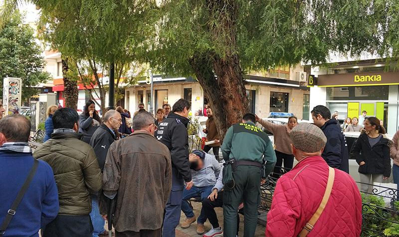 detenidos-por-robar-10-000-euros-en-el-interior-de-un-banco-en-cieza