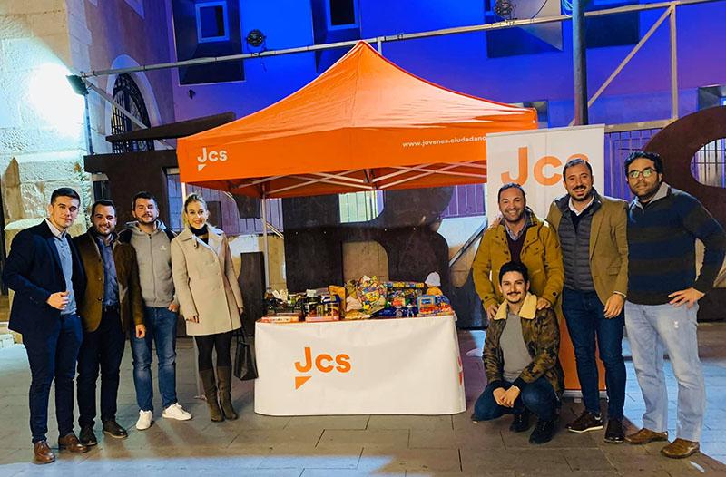 jovenes-ciudadanos-recogen-juguetes-y-alimentos-para-los-mas-desfavorecidos-de-cieza