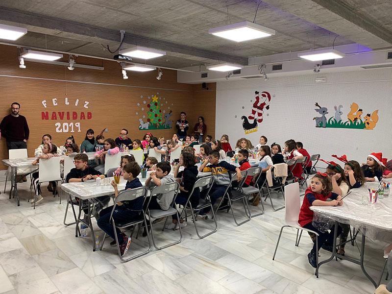 mas-de-200-de-personas-asisten-a-los-talleres-navidenos-del-centro-de-folklore