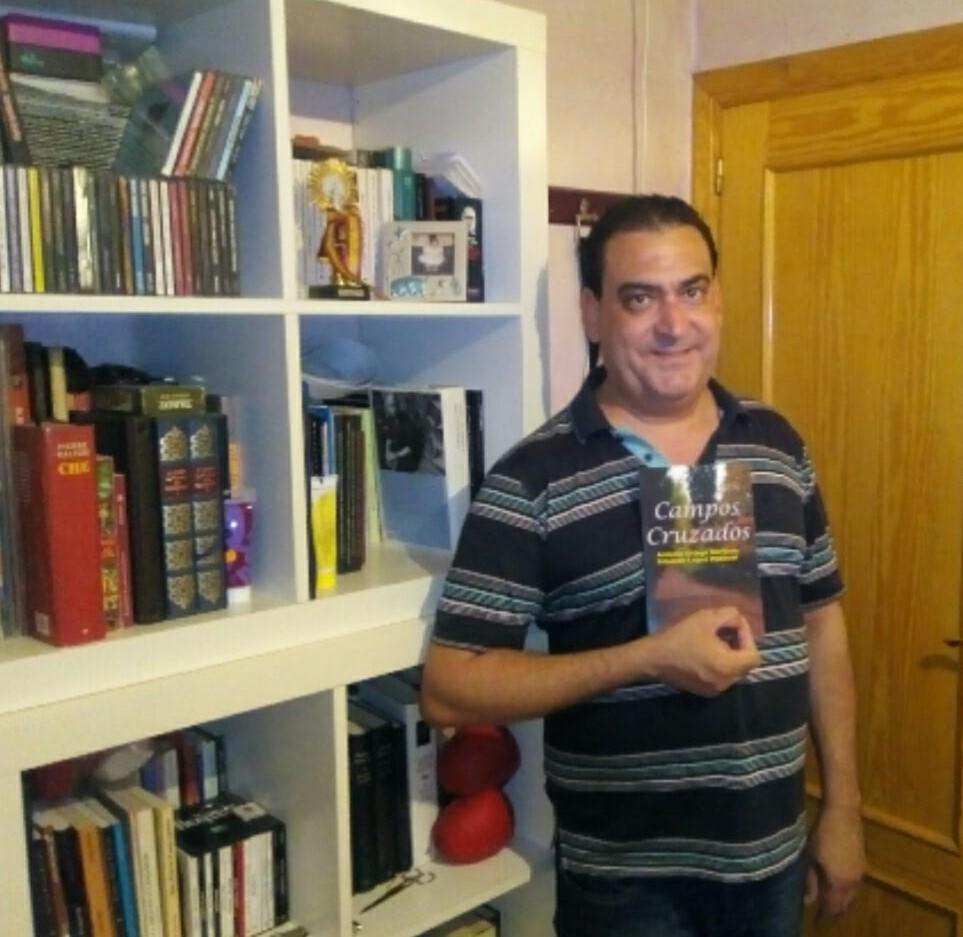 antonio-ortega-presenta-su-libro-confesiones-de-la-canibal