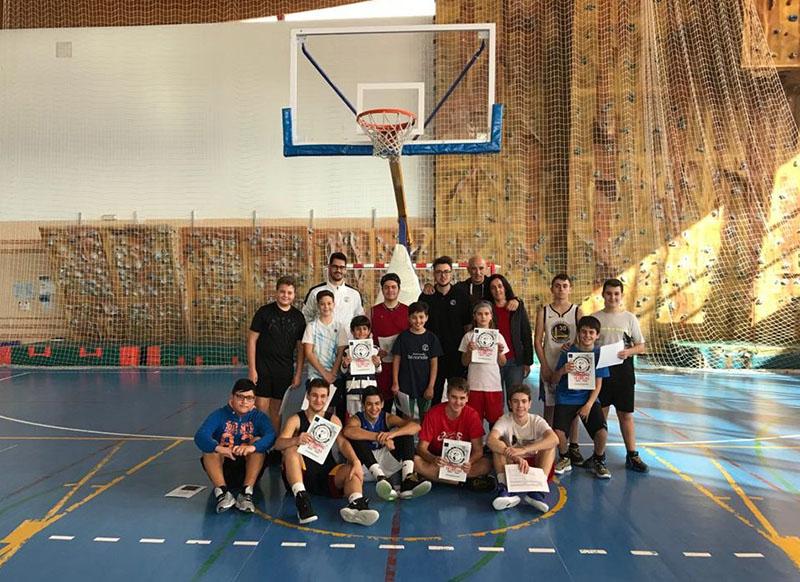 exito-del-baloncesto-ciezano-en-navidad