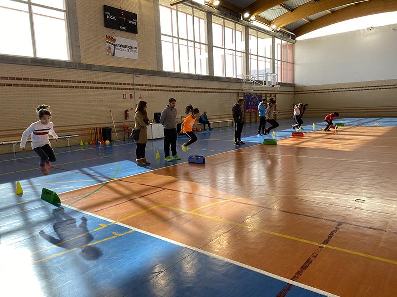 la-concejalia-de-deportes-celebra-jugando-al-atletismo-para-fomentar-el-deporte-entre-centros-educativos
